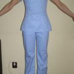 Costum medical , bluza cu maneca scurta, pantalon in talie cu elastic si snur . Material tercot bleu